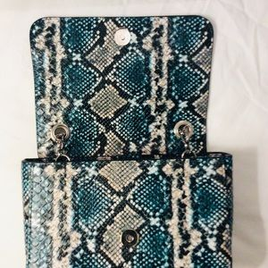 New Directions Bags - NWT New Directions Snakeskin Crossbody